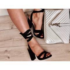Černé sandálky Limition