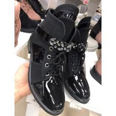 Černé boty kotníkové MIU MIU