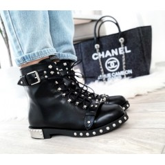 Černé kotníkové Pearl boots s kováním