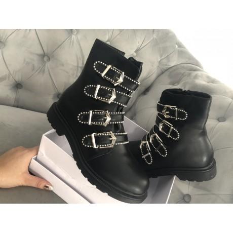 Černé kotníkové boty Versa pearl