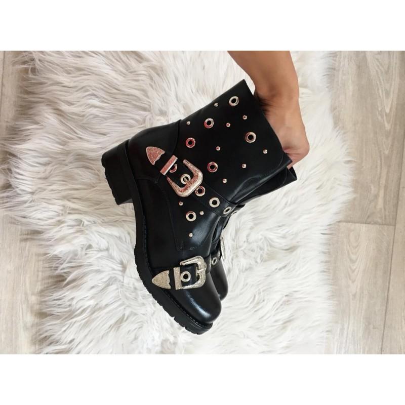 Černé kotníkové boty model Dies. - I wanna shoes 8368ccf1ed