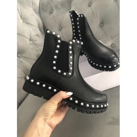 Černé kotníkové boty Alexander W. pearl