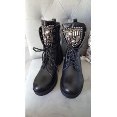 Černé kotníkové boty INDIANA
