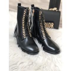 Kotníkové boty se zlatým řetízkem