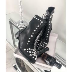 Černé kotníkové boty se cvoky Di.r