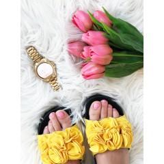 Žluté pantofle Flower