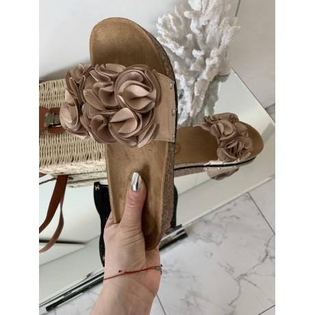 Pantofle Roses nude