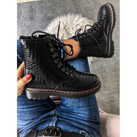 Černé kotníkové boty Martens snake