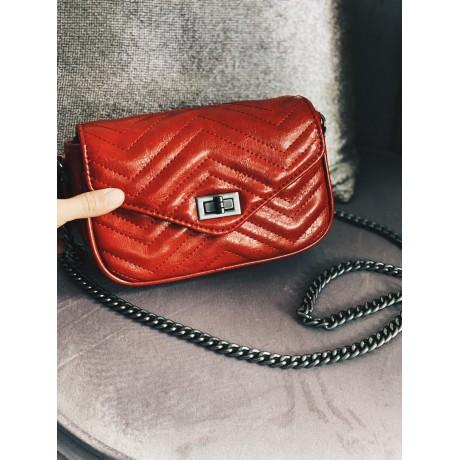 Prošívaná kabelka na řetízku - červená
