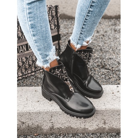 Černé kotníkové boty s kamínky
